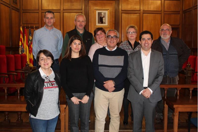 Els 7 funcionaris prenen possesió del seu càrrec amb l'alcalde Toni Francés