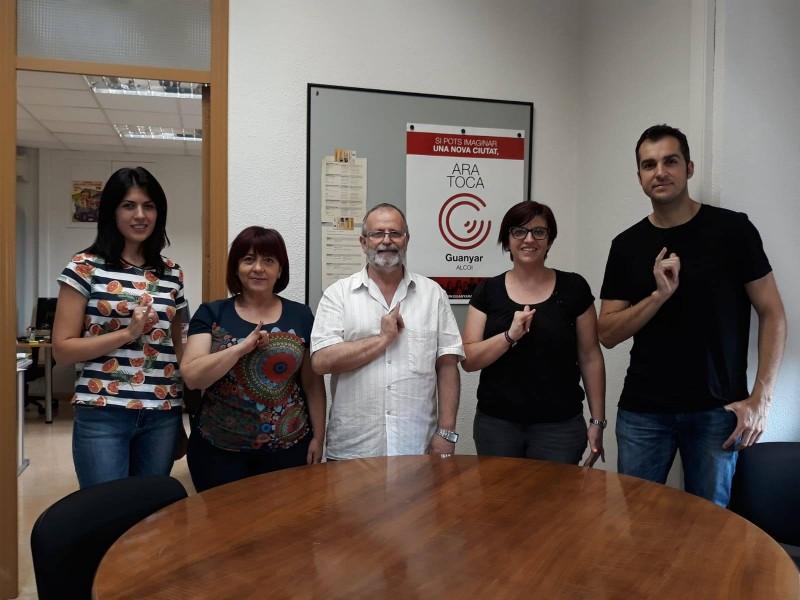 Guanyar Alcoi amb Joan Sanjuán, membre de l'Associació de persones sordes d'Alcoi