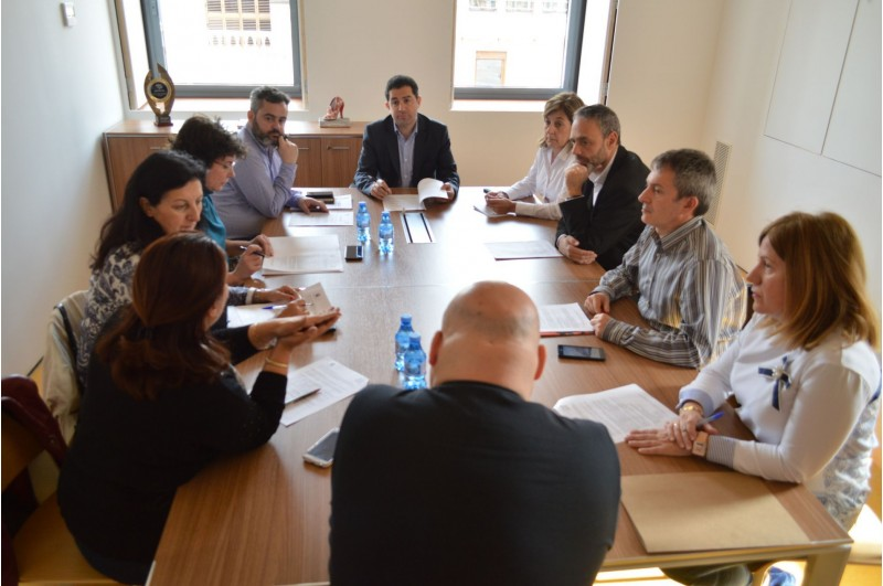 Representants de les 8 institucions involucrades en el programa s'han reunita l'IVAM CADA ALCOI per a ultimar les bases de la convocatòria.