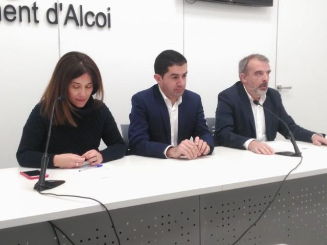 L'alcalde Francés, la regidora Zamorano i el regidor Martínez acumulen 12 denúncies penals en la causa.