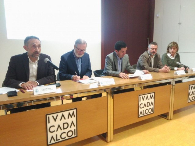 La Trobada s'ha presentat a l'IVAM-CADA ALCOI, centre que acollirà la iniciativa els dies 25 i el 26 d'abril.