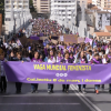 Els carrers d'Alcoi es tenyeixen de morat pel Dia de la Dona