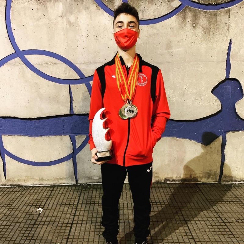 """Leandro de la Vega, gimnasta de """"El Pastoret"""""""