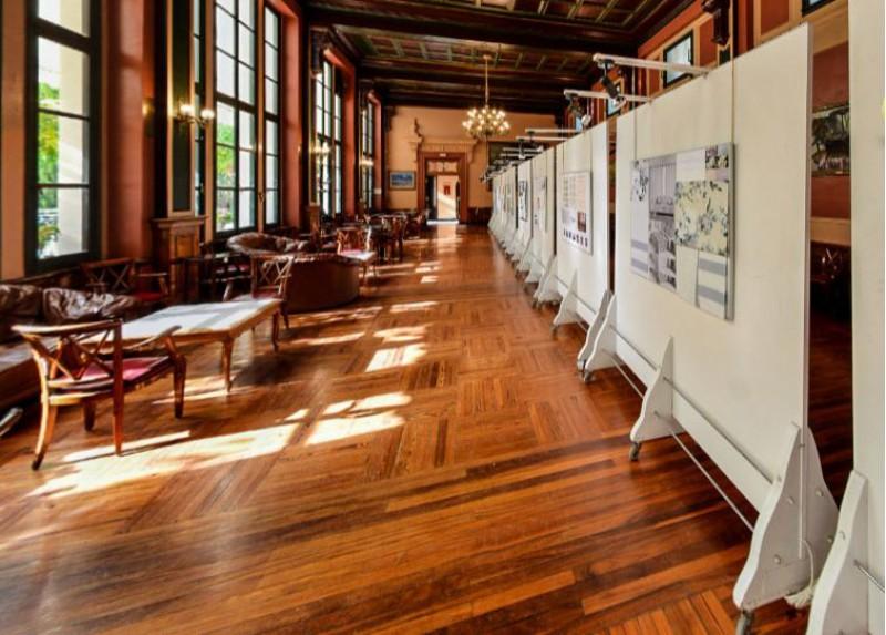 Frame de la visita virtual a la mostra de les obres del IV Concurs de Disseny i Desenvolupament de Teixit per a la llar