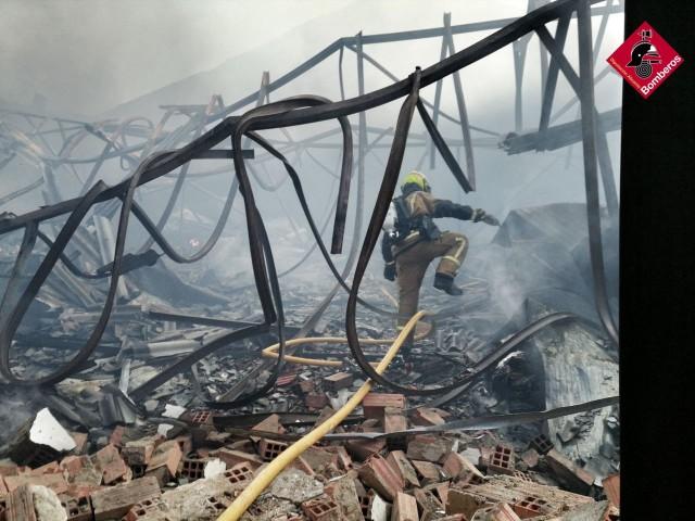 Incendi a una indústria deXixona