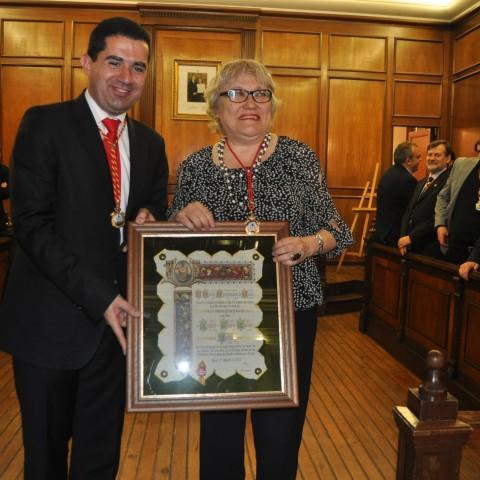 L'autora durant un reconeixement en 2013 a l'Ajuntament d'Alcoi.