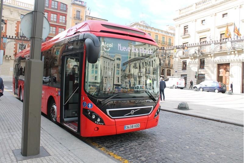 Vehicle de la flota municipal d'autobusos.
