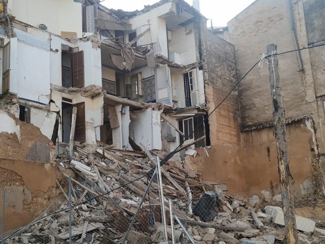Cau un quart edifici a Alcoi