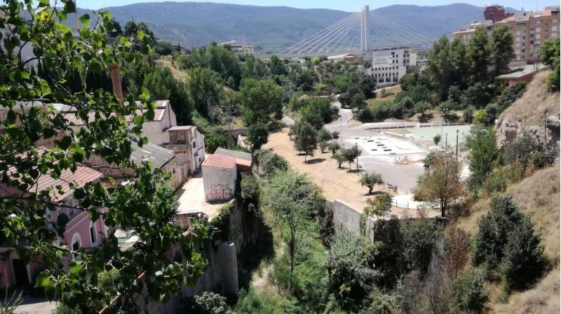 Àrea del pont de Cervantes, una de les zones on es plantaran part dels 2.000 arbres.