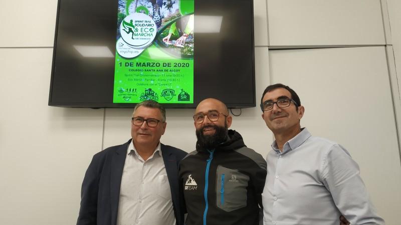 José Rico en nom dels organitzadors presenta l'activitat amb els regidors de les àrees implicades: esports i transició ecològica.