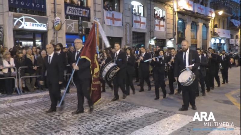 Músics participants en la interpretació de l'himne de festes en 2018.