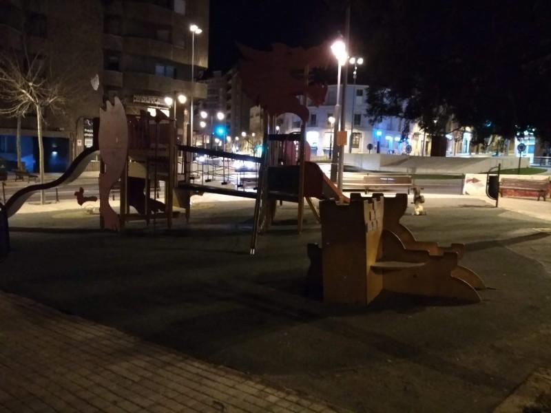 Zona de jocs infantils a la rotonda d'Oliver.