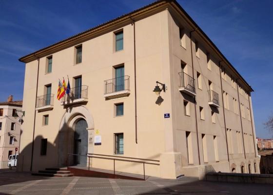El servei es presta en les dependències del Col·legi d'Advocats,ubicades en els Jutjats d'Alcoi.