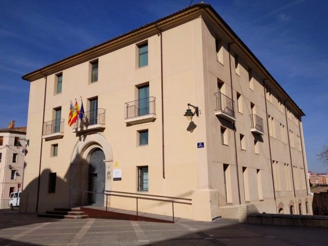 Palau de Justícia d'Alcoi, ubicat en la placeta de la Mare de Déu.