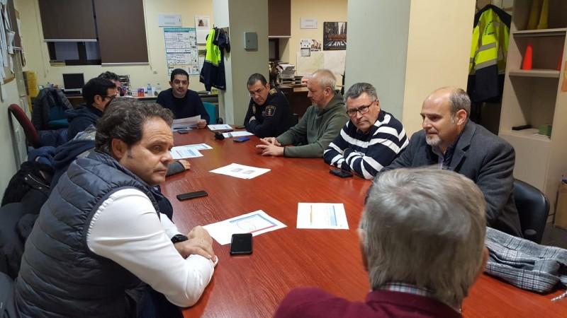 Encontre entre diferents responsables municipals durant el pas per Alcoi de la borrasca Glòria.