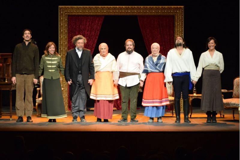 La companyia després de la primera representació de 'Una Cita amb Chéjov'.