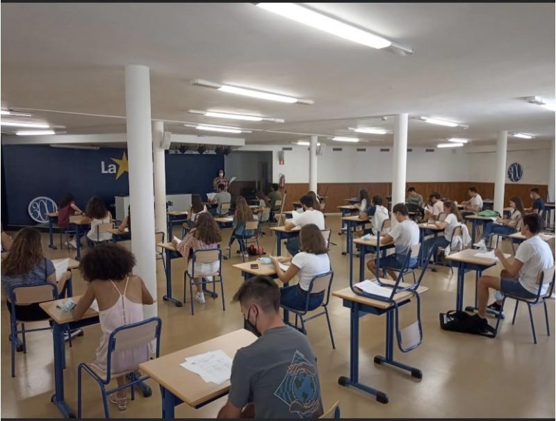 Els alumnes de La Salle realitzan el simulacre / imatge vía xarxes socials La Salle Alcoi