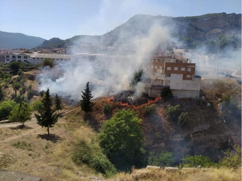 Foc prop de les vivendes / AM