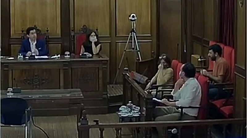 Un moment de la intervenció de Pablo González en el plenari de l'Ajuntament