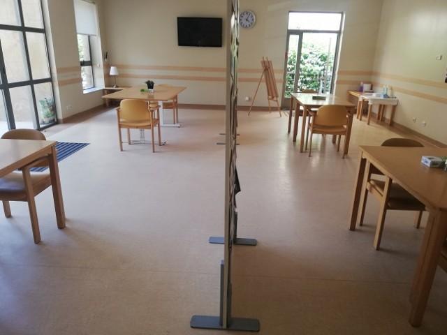 La sala de visites de la residència d'Oliver, on ja es fan trobades familiars. Imatge del blog de DomusVi