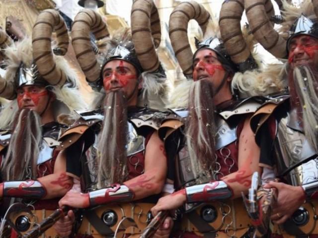 La Diputació d'Alacant aprova les ajudes per al sector d'artesans i professionals de festes tradicionals