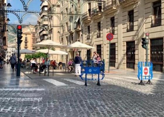 Carrer Sant Llorenç, tallat al trànsit.