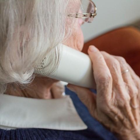 L'Ajuntament envia una carta a més de 800 majors que viuen a soles amb qui no ha aconseguit contactar telefònicament