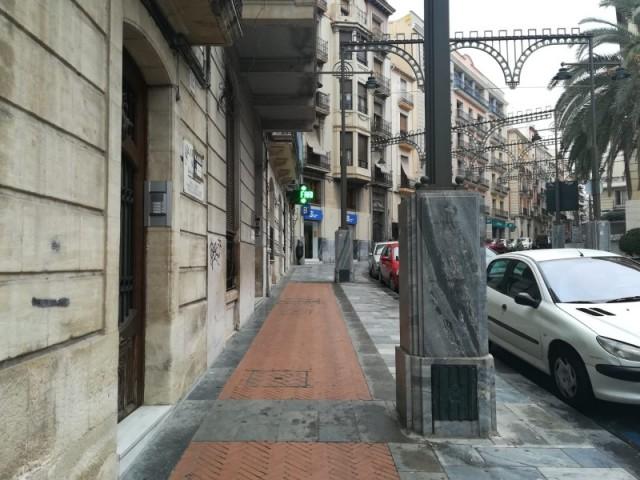 Vorera de l'avinguda País Valencià.