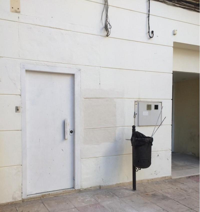 Banc Sabadell va tancar el passat divendres 29 de juny el seu caixer a Benilloba, ubicat a la plaça de la Font, 1.