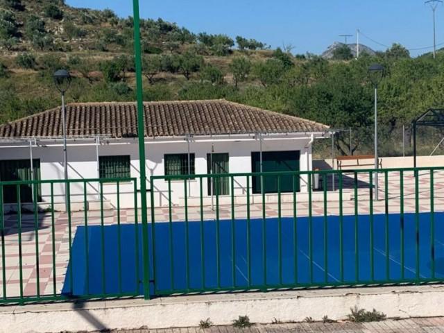 La piscina de Benifallim, tancada
