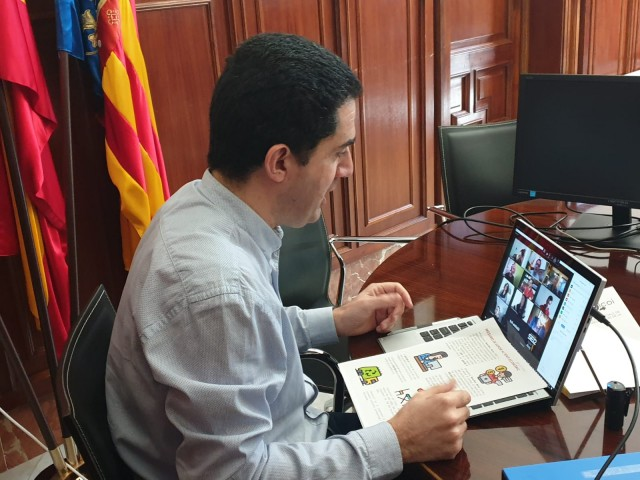 Videoconferècia de l'alcalde Toni Francés amb els mitjans de comunicació.