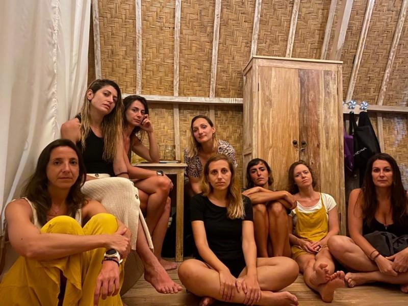 Ana Micó i les altres 7 valencianes a Bali