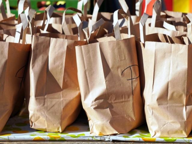 Bosses de paper, alternativa a l'ús de plàstic.