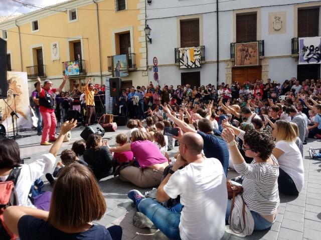 Actuació de Dani Miquel  / Facebook Coordinadora Alcoià-Comtat pel valencià.