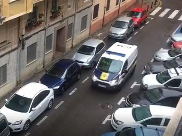 Policia al Carrer Joaquim Sorolla