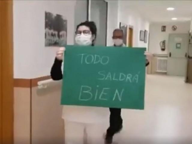 Personal sanitari al video.
