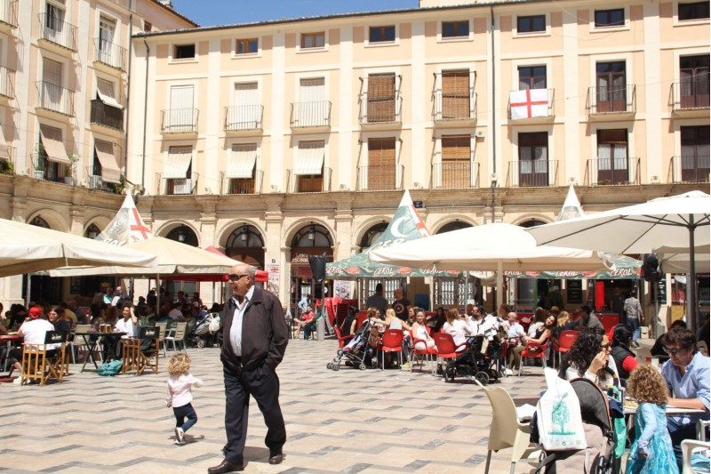 La plaça de Dins d'Alcoi