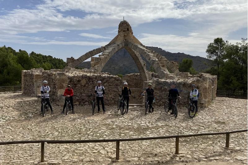 Press trip a la cava d'Agres / Turisme Alacant Interior