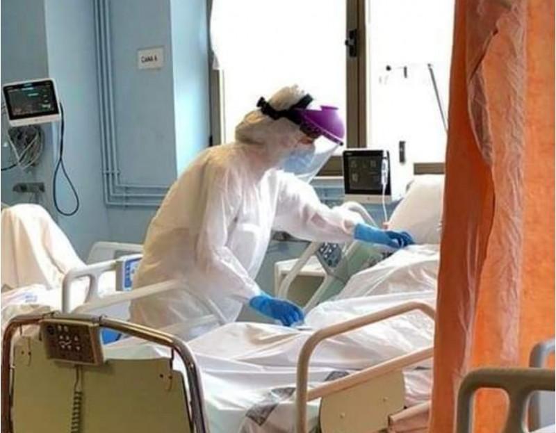 Personal sanitari amb equip de protecció. Imatge via xarxes del Departament de Salut