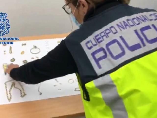 Detingut a Alcoi un obrer per furtar joies en la vivenda on feia una reforma