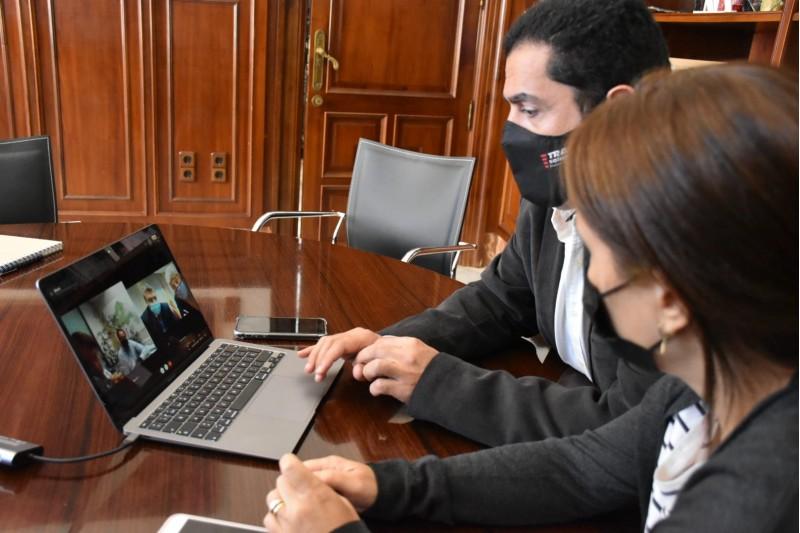 Reunió telemàtica de Lorena Zamorano i Toni Francés amb l'Instituto de Vivienda, Infraestructures y Equipamiento de la Defensa  (INVIED)