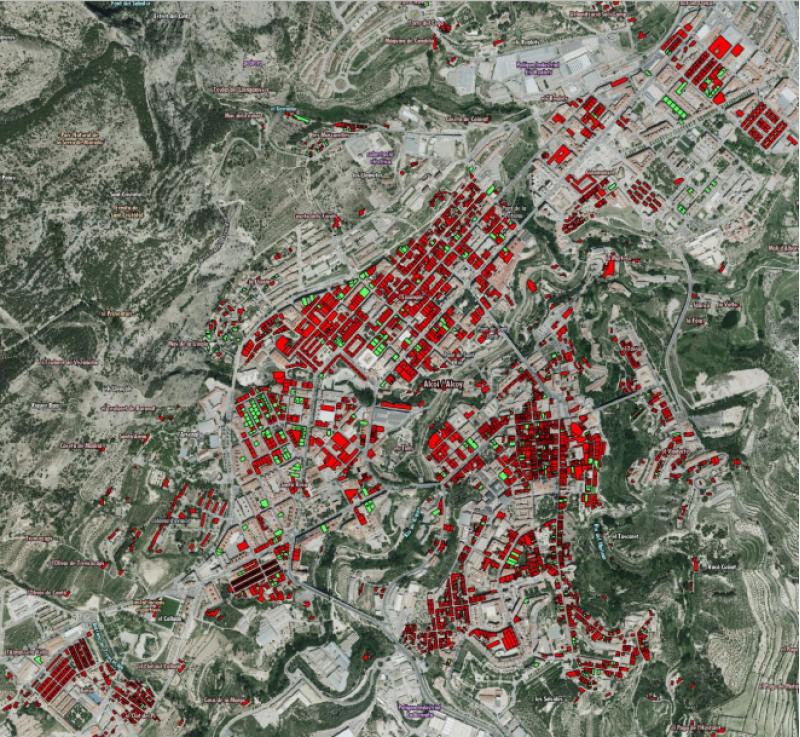 En roig, edificacions de més de 50 anys sense l'Informe d'Avaluació de l'Edifici, en verd, edificacions amb l'Informe d'Avaluació de l'Edifici / Font: Visor de Cartografia de la Generalitat