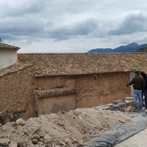 Descobert un edifici de gran dimensió tocant l'Ermita de la Sang de Castalla