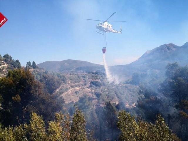 Les imatges, facilitades pels Bombers, corresponen a l'incendi de Balones.