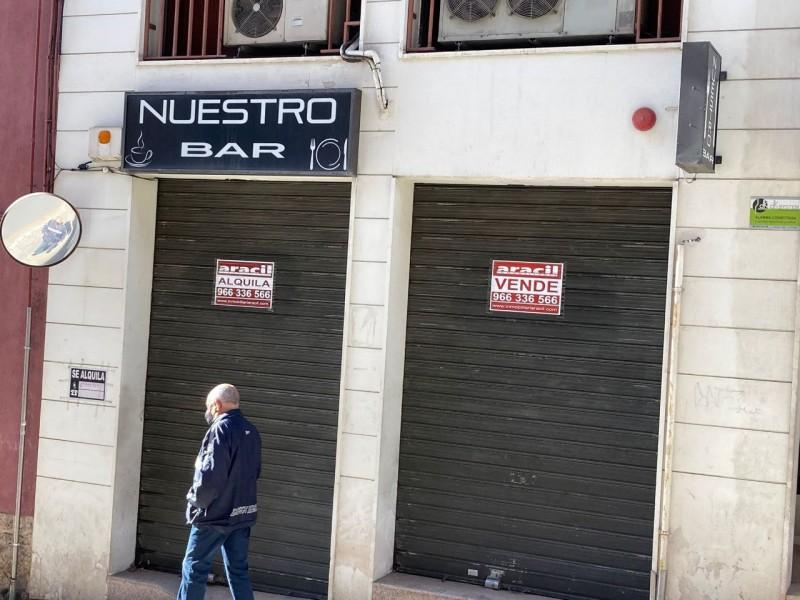 Un bar tancat a Alcoi, imatge de recurs