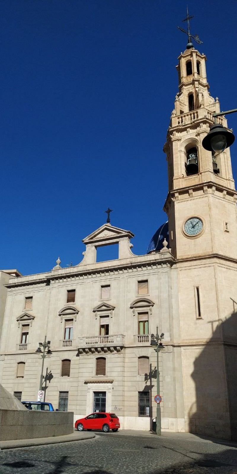 Santa Maria d'Alcoi és una de les esglésies registrades.