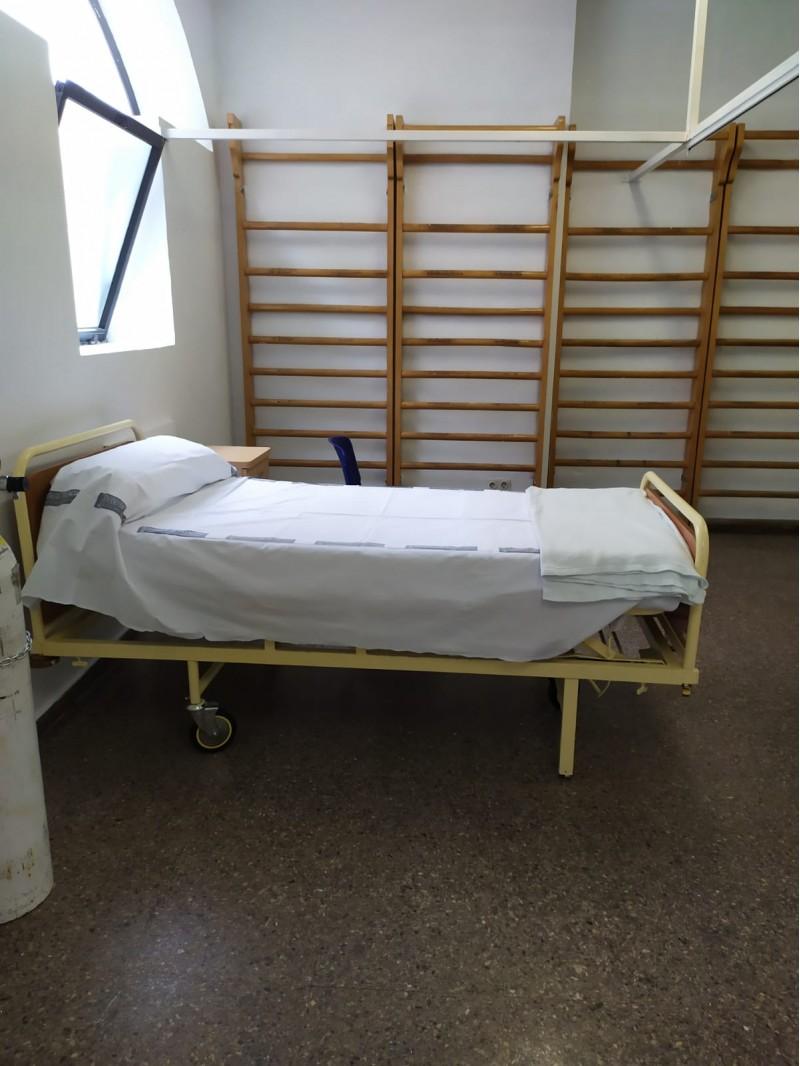 Llit habilitat a la zona de rehabilitració de l'Hospital.