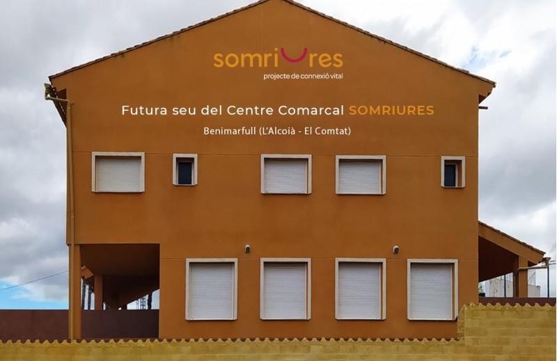 Nou edifici i logotip a Benimarfull / Somriures