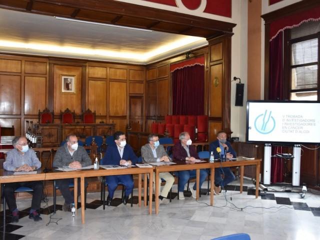 Alcoi acull la V trobada d'investigació en càncer