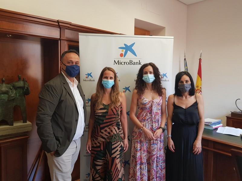 Reunió entre Microbank i l'Ajuntament de Cocentaina / Caixabank